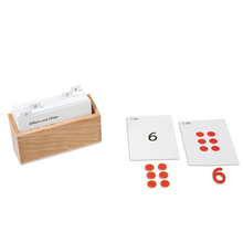 Kasten mit Aufgabenkarten für die Ziffern und Chips