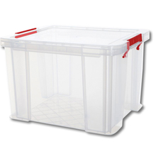 Kunststoff-Boxen mit rotem Griff