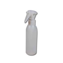 Sprühflasche für das Fensterputzen